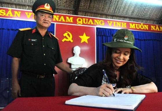 Crish hoy en China, ayer en Vietnam.