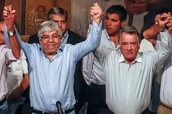 Moyano y Barrionuevo bailando el Pericón.
